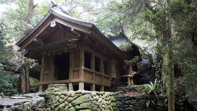 Okitsugu shrine of the Munakata Taisha at Okinoshima island, some 60 kilometres from Munakata city, Fukuoka prefecture. (Photo: AFP)